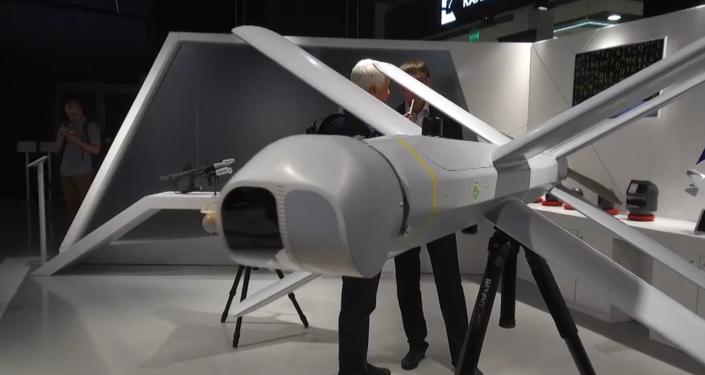 Ruský koncern Kalašnikov prezentoval kamikadze dron a další inovativní vojenské zbraně (VIDEO)