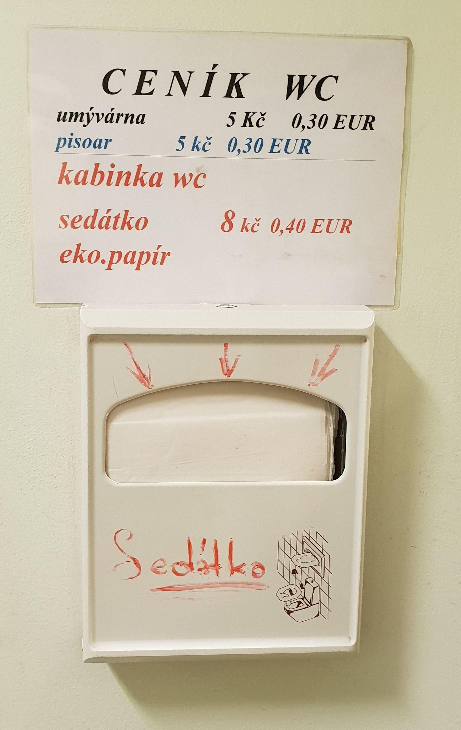 Obr. 3: Kde v Praze stojí veřejná kabinka WC kabinka + sedátko + ekopapír 0,40 EUR, tedy 40 centů?