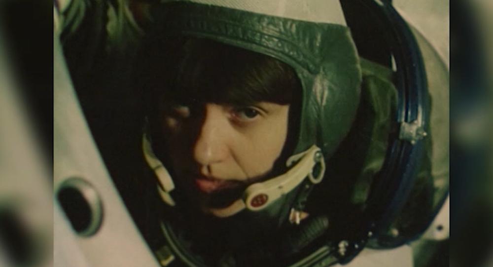 Výročí prvního výstupu ženy do vesmíru. Jak to bylo a jak se má teď?