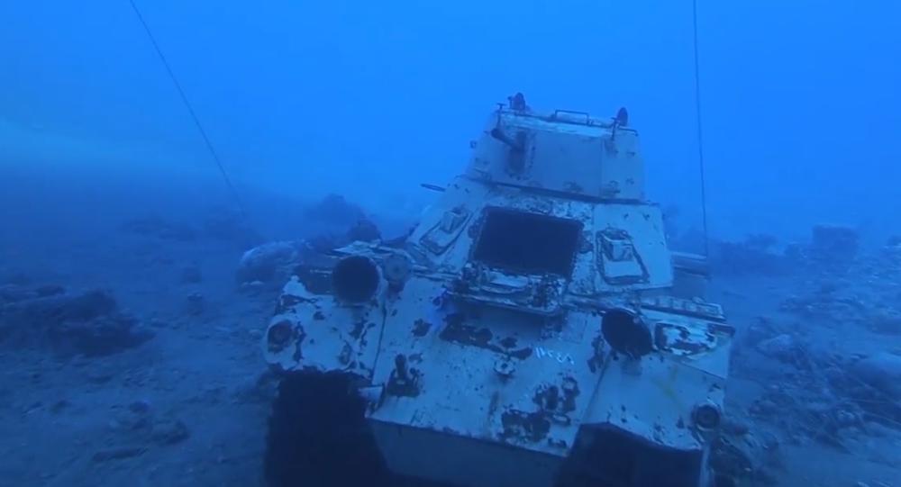 Video: V Jordánsku se otevřelo unikátní podvodní muzeum vojenské techniky provozované ozbrojenými silami země