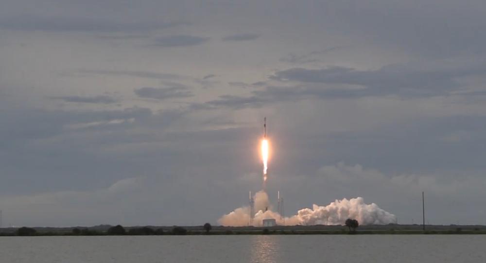 SpaceX vyslala izraelský satelit Amos-17 na oběžnou dráhu Země