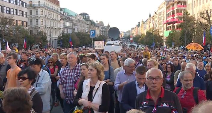 Video: Rozsáhle protesty hnutí Milion chvilek pro demokracii v Praze 21. srpna. Jak to ve skutečnosti bylo?