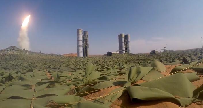 Video: Působivé záběry bojových schopností raketových komplexů S-300 a S-400