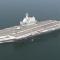 První v Číně vyrobená letadlová loď proplula Tchajwanským průlivem