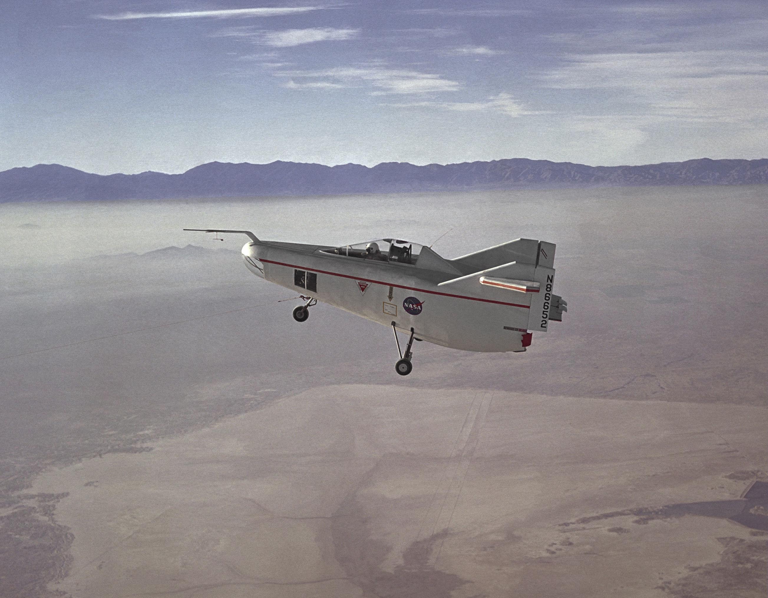 letadlo M2-F1