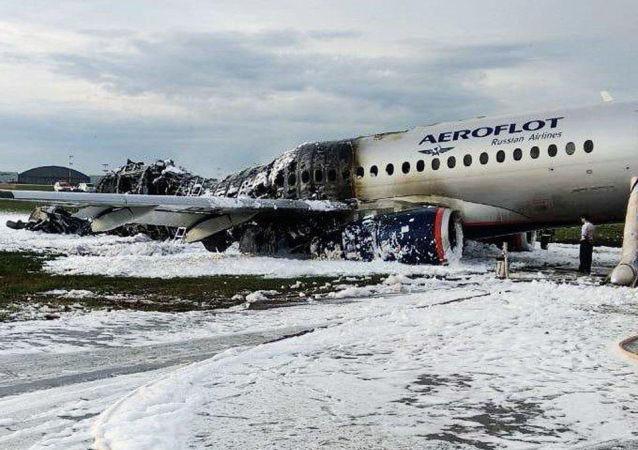 Letoun Superjet 100 po havárii na letišti Šeremetěvo 5. května 2019