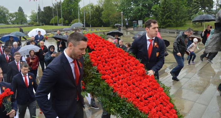 Pokloniť sa prišli aj ruskí hokejisti