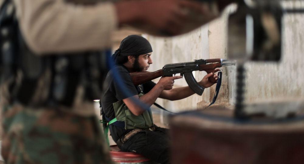 Bojovník Islámského státu (IS)