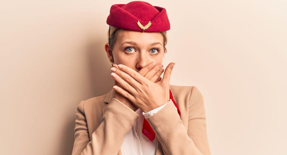 Ruská letuška řekla pravdu o popelnících na palubě letadla