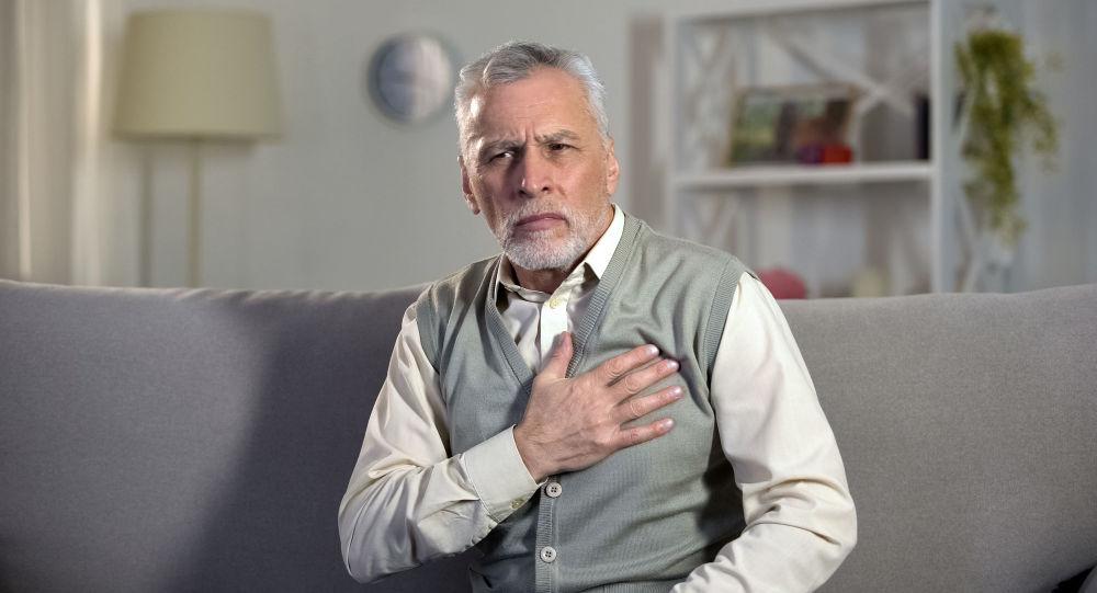 Lékař vysvětlil, jaké mohou být nenápadné příznaky infarktu