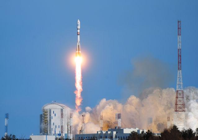 Start rakety Sojuz-2