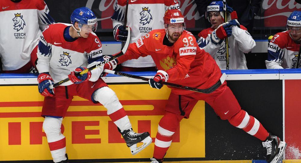 Jevgenij Kuzněcov při zápase proti ČR na MS 2019