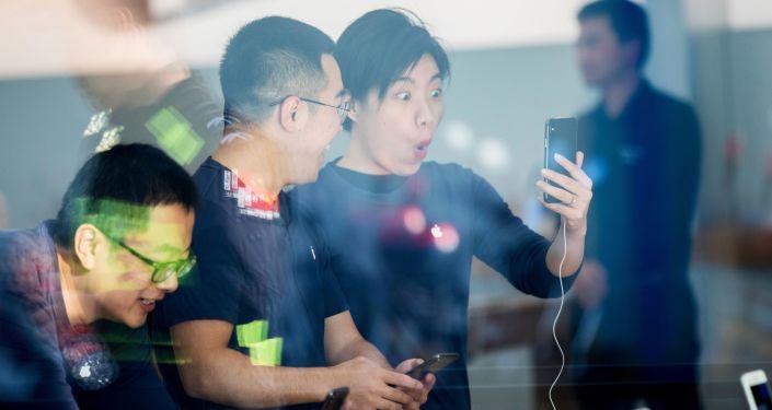 Číňané si pořizují iPhone X