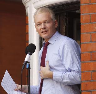 Spoluzakladatel Julian Assange v Londýně. 2012. Ilustrační foto