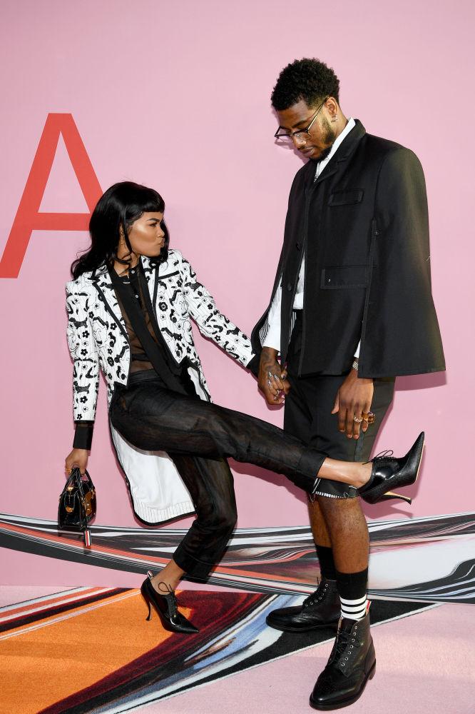 Zpěvačka Teyana Taylor s manželem basketbalistou Imanem Shumpertem na slavnostním udělování módních cen CFDA Fashion Awards.