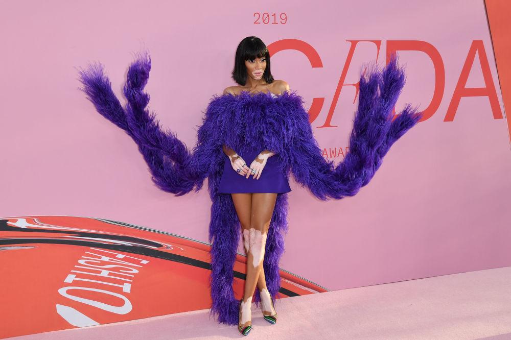 Modelka Winnie Harlow na slavnostním udělování módních cen CFDA Fashion Awards.