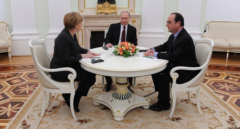Vladimir Putin, Francois Hollande a Angela Merkelová