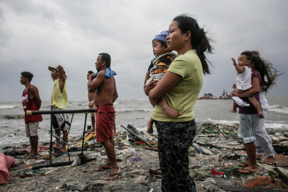 Pobřežní hlídka. Basilio Sepe (Filipíny), finalista v nominaci Hlavní zprávy, single.