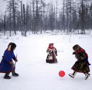 Pobřežní hlídka a Turnaj tundry: finalisté fotosoutěže Andreje Stěnina
