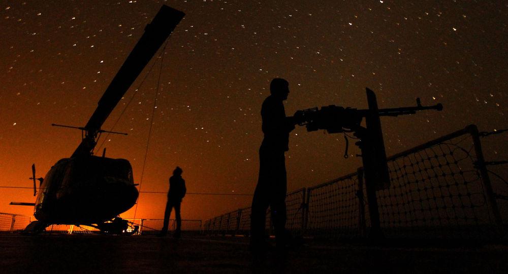 Íránské námořnictvo v Hormuzském průlivu