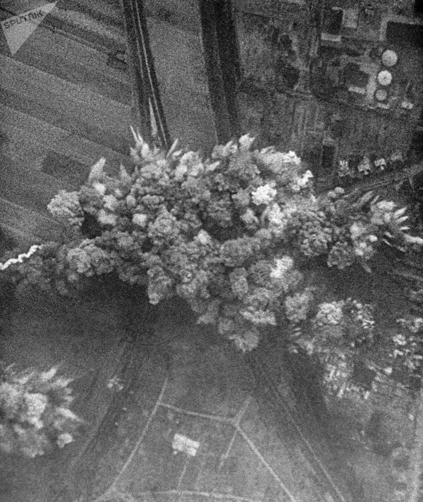 Záběr z dokumentárního filmu Velké Vítězství sovětského národa. 22. června 1941 německé letectvo bombarduje sovětská města.
