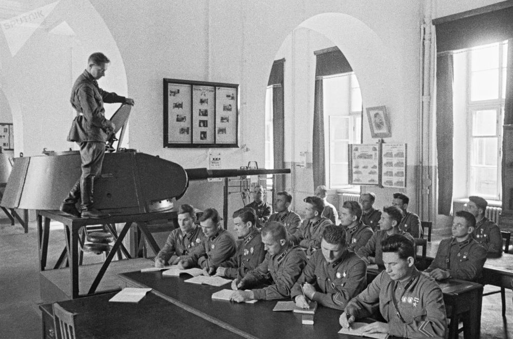 Absolventi Vojenské akademie Stalina, Moskva červen 1941.