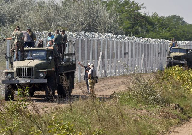 Plot na hranici Maďarska a Srbska.Ilustrační foto