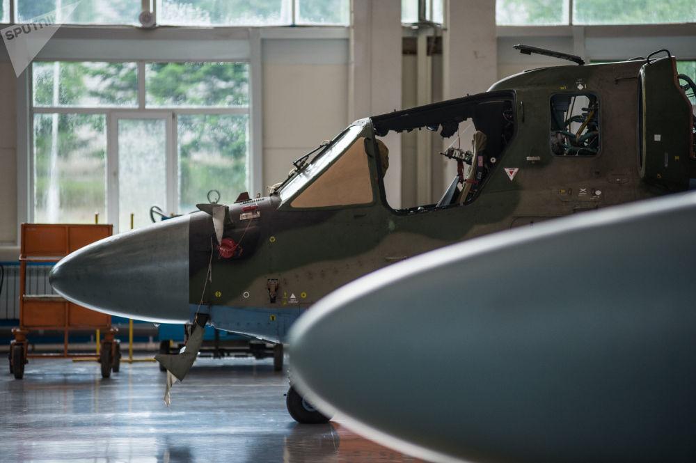 Ka-52 Alligator v koncové montážní dílně závodu Progress