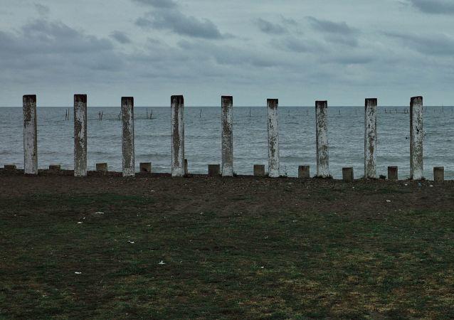 Moře poblíž azerbajdžanského města Lenkoran