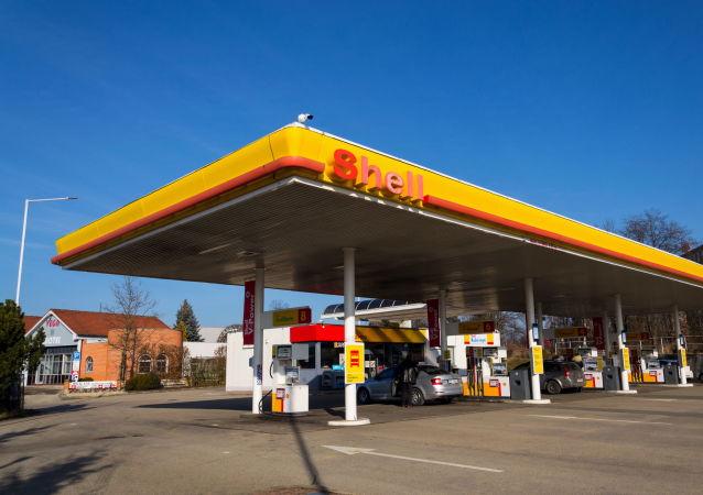Byl vytvořen seznam zemí s nejdostupnějším benzínem. Česko předstihlo Slovensko