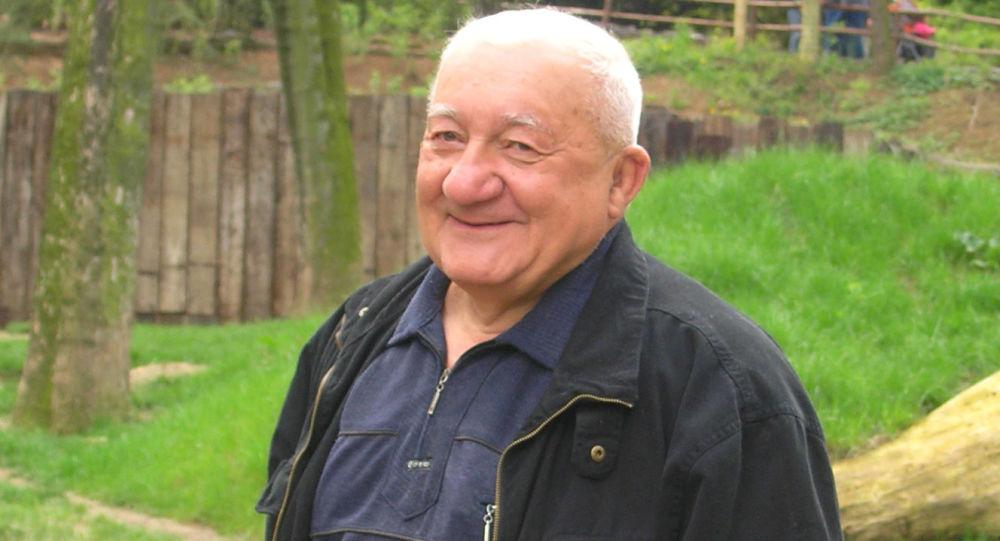 Herec Zdeněk Srstka