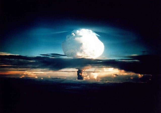 Zkouška termonukleárního jaderného zařízení v USA