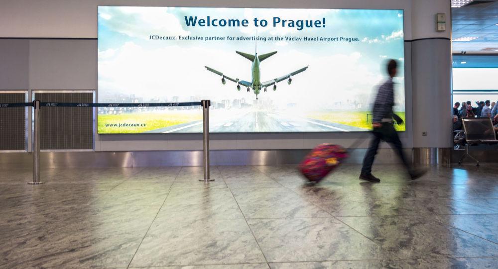 Covidem-19 v Česku aktuálně trpí již přes 30 tisíc lidí. Bez negativního testu je pro Česko zavřená téměř celá Evropa