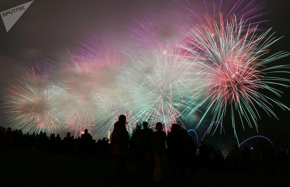 Festivalovou porotu tvořili nejlepší odborníci v pyrotechnickém oboru.