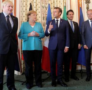 Lídři G7 Boris Johnson, Angela Merkel, Emmanuel Macron, Giuseppe Conte a Donald Tusk
