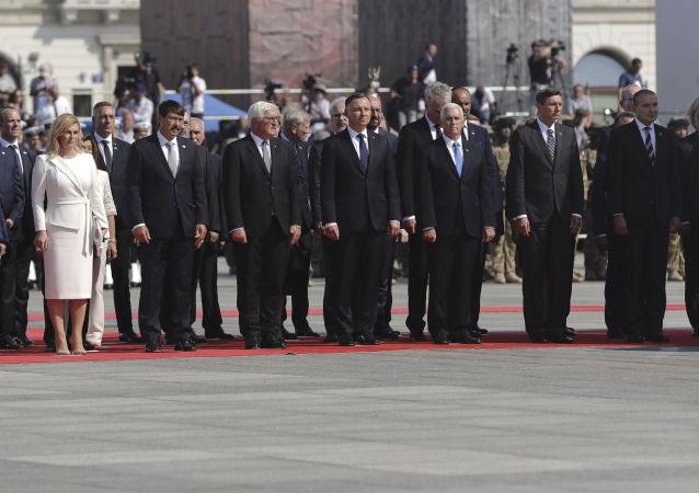 Hosté během vzpomínkové akce u příležitosti 80. výročí začátku 2. světové války. Varšava, Polsko.