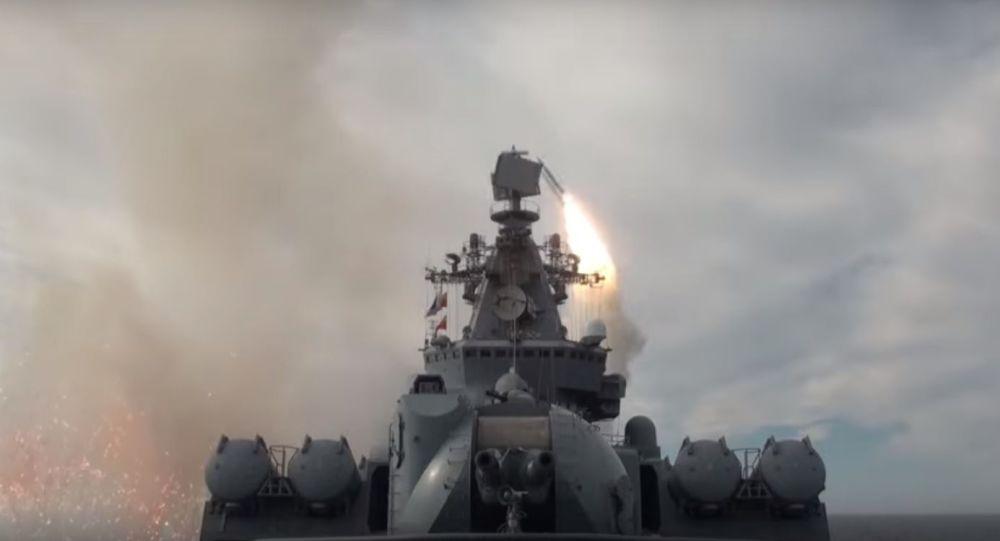 Bylo zveřejněno video raketových paleb lodí Pacifické flotily v Ochotském moři