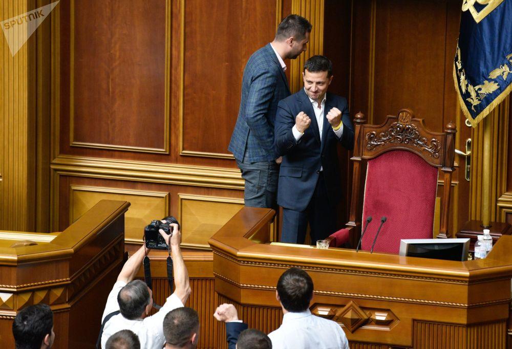 Ukrajinský prezident Volodymyr Zelenskyj na zasedání Nejvyšší rady v Kyjevě.