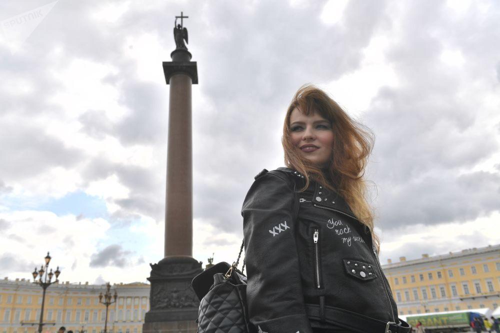 Účastnice bikeshow Harley Days v Petrohradu.