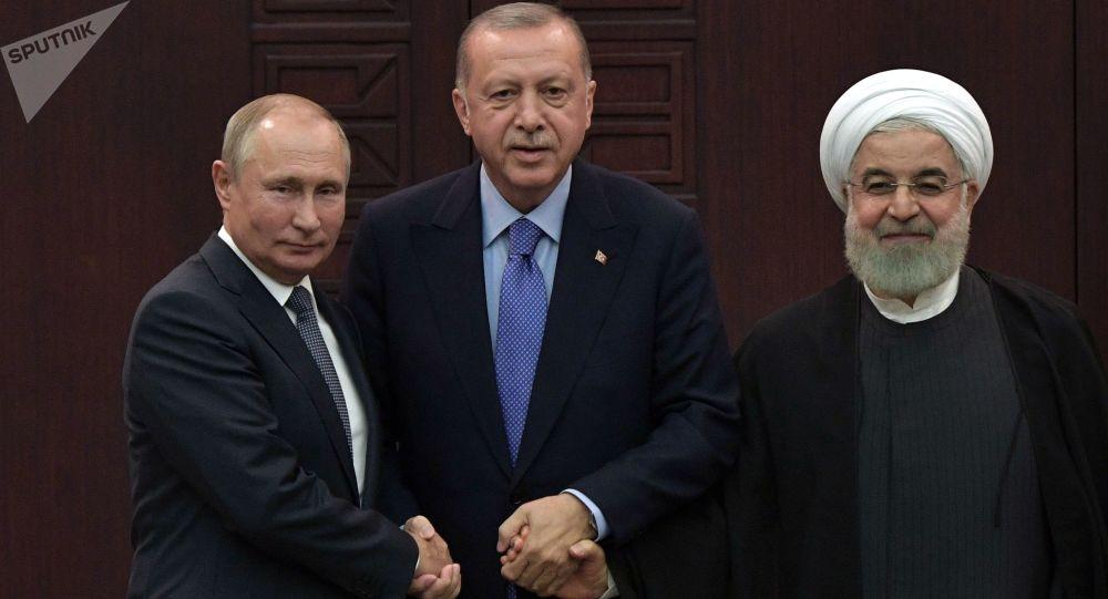 Prezidenti Ruska, Turecka a Íránu – Vladimir Putin, Recep Tayyip Erdogan a Hasan Rúhání během jednání 16. září 2019