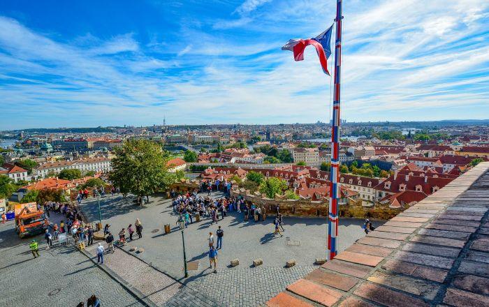 Česká vlajka v Praze