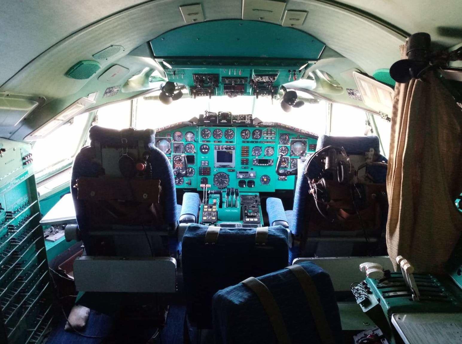 Cockpit TU-154M