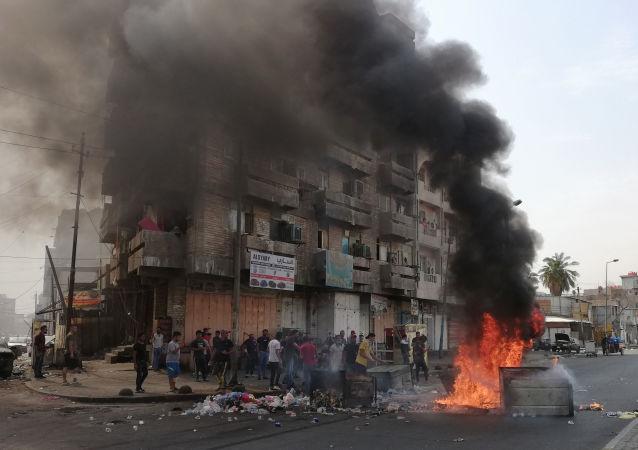 Protivládní protesty v Bagdádu (3. 10. 2019)