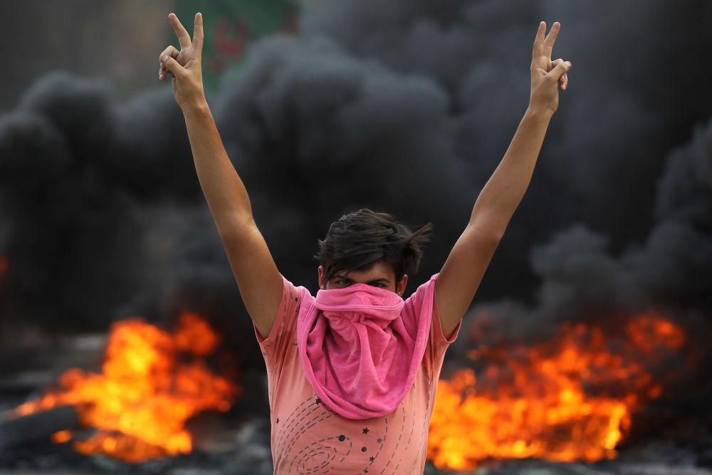 Protivládní protesty v Iráku: na život a na smrt proti nezaměstnanosti a korupci