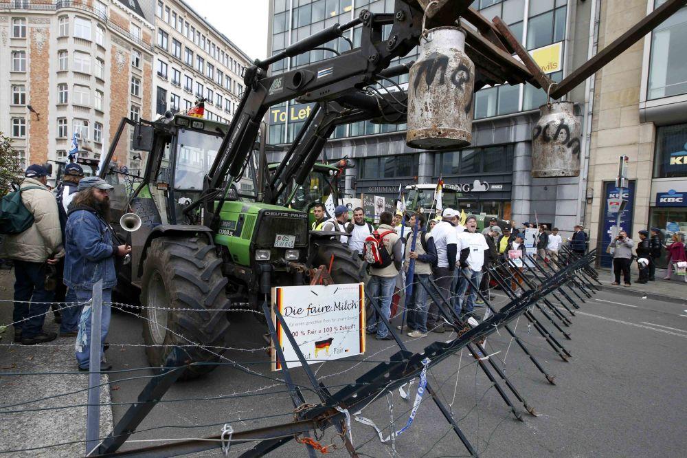 Demonstrace farmářů před Radou EU