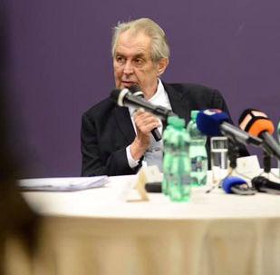 Český prezident Miloš Zeman během výročí generálního štábu