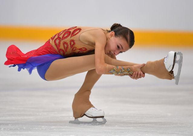 Ruská krasobruslařka Anna Shcherbakova, která získala zlatou medaili na Grand Prix krasobruslení v Las Vegas, USA