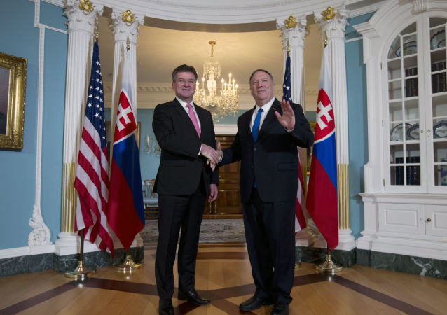 Slovenský ministr zahraničí Miroslav Lajčák a ministr zahraničí USA Mike Pompeo