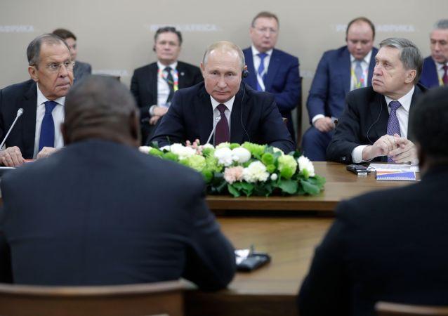 Vladimir Putin v Soči na summitu Rusko-Afrika