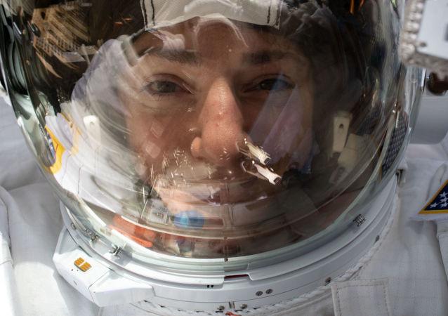 Americké astronautky Christina Kochová a Jessica Meirová